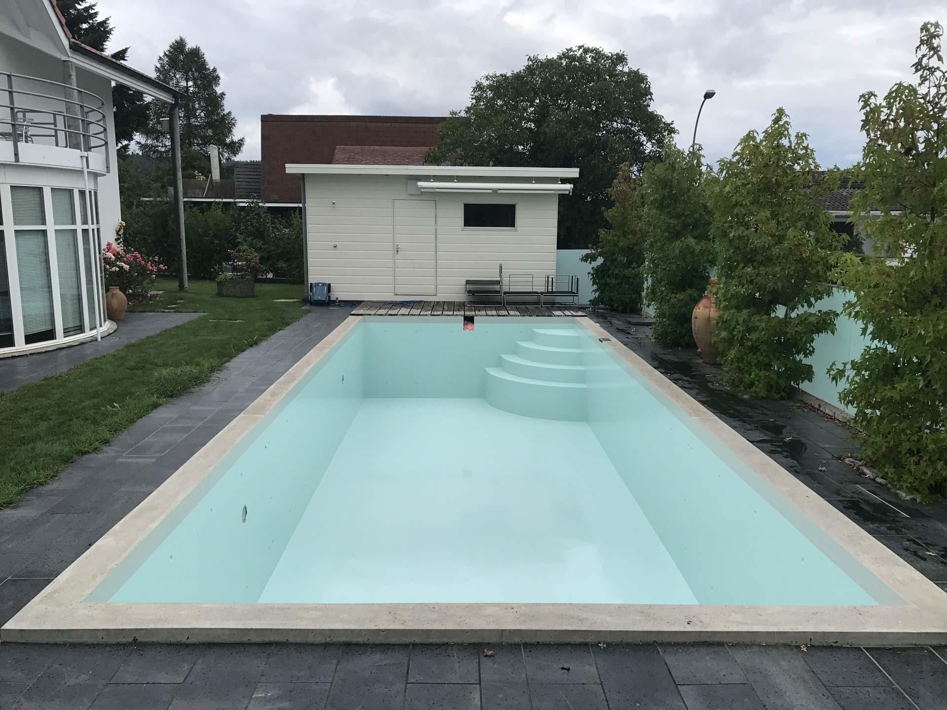 Poolbeschichtung | Ins | Wagner Maler GmbH